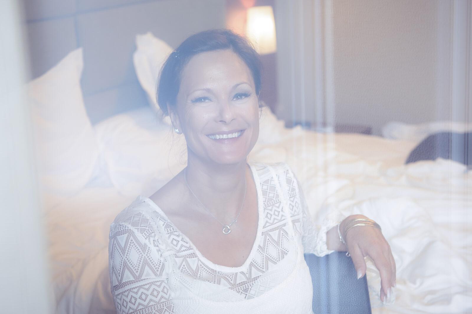 Hochzeit Gardasee - Portrait der Braut am Morgen