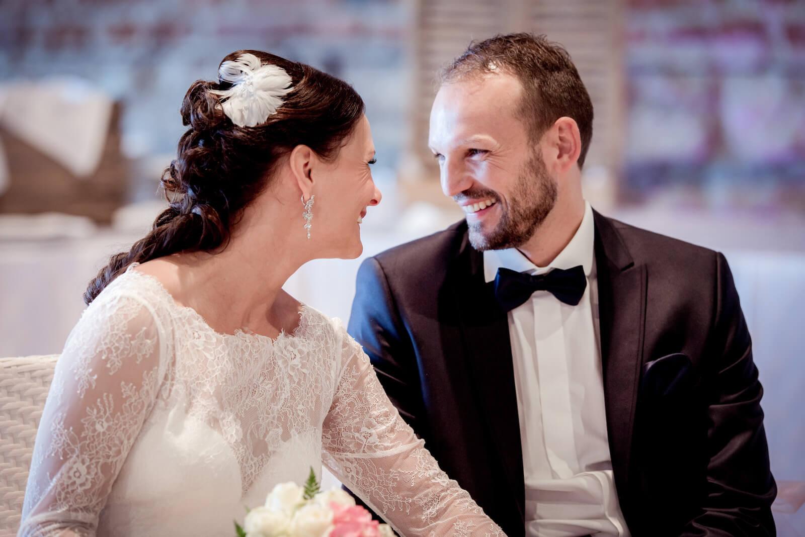 Hochzeit Gardasee - Brautpaar während der freien Trauung