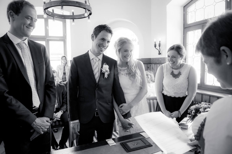 standesamtliche Trauung - Standesamt Kurschlösschen Ammersee - Moment der Vermählung