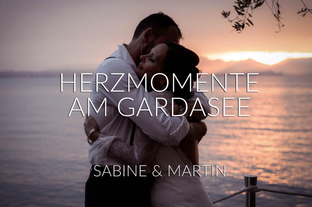 Herzmomente am Gardasee - zwei innig verliebte Landsberger vor märchenhaften Sonnenuntergang